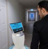 יפן: רשת של בתי מלון פיטרה רובוטים – והחליפה אותם בבני אדם