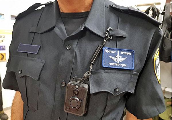 האם המצלמות החדשות יורידו את האלימות של השוטרים נגד האזרחים - ולהפך? צילום: דוברות משטרת ישראל