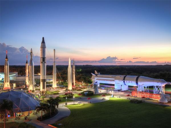 מרכז החלל קנד. צילום באדיבות בוקינג.קום