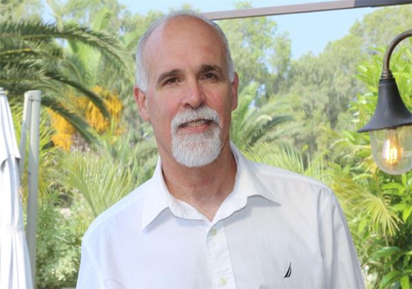 """מני צרפתי, מנהל ארכיטקטורות פתרונות ברד-האט ישראל, יוון וקפריסין. צילום: יח""""צ"""