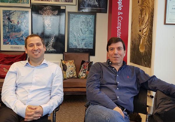 מימין: קובי ליף ועופר כהן, ביל רן. צילום: פלי הנמר