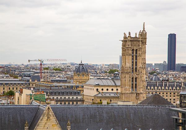 מנזר נוטרדם בפריז. צילום : BigStock