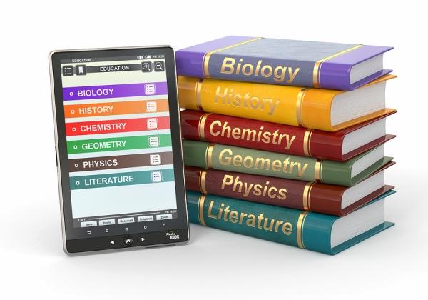 השאלה היא האם הספרים הדיגיטליים הם העתק זהה של המהדורות הפיזיות או כותרים בפני עצמם. אילוסטרציה: BigStock