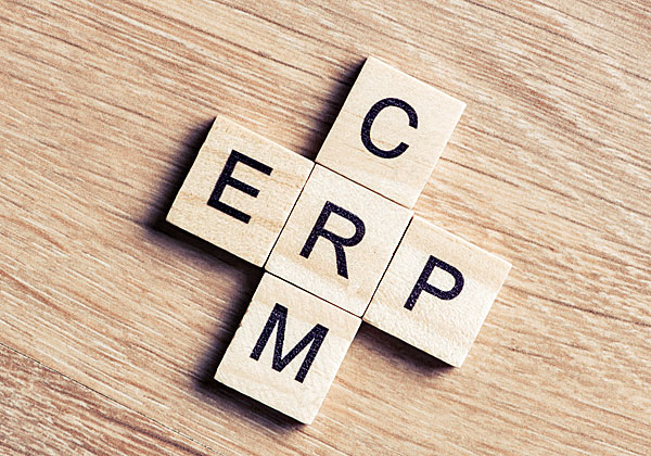 ERP ו-CRM - הילכו שניים יחדיו? צריכים ללכת. צילום: BigStock