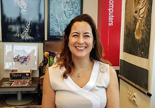 """באה לבקר במאורת הנמר: עו""""ד מיטל סטבינסקי, שותפה ויו""""רית משותפת בפרקטיקה הישראלית של פירמת עורכי הדין Holland & Knight. צילום: פלי הנמר"""