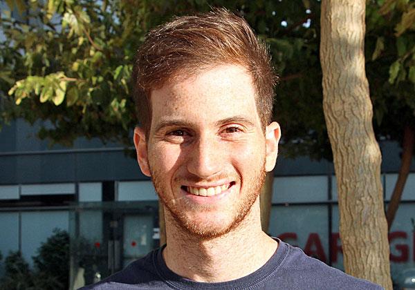 """קובי מימון, מנתח נתונים בצוות אסטרטגיית מוצר בחטיבת האבטחה וראש הקבוצה הגאה במיקרוסופט ישראל. צילום: יח""""צ"""