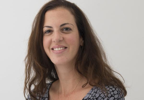 אלונה נדלר, מנהלת מוצר עולמית של קיבנה, חברת אלסטיק. צילום: בן פרר