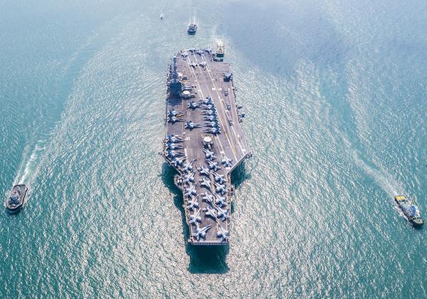 נושאת מטוסים של חיל הים האמריקני. צילום: BigStock