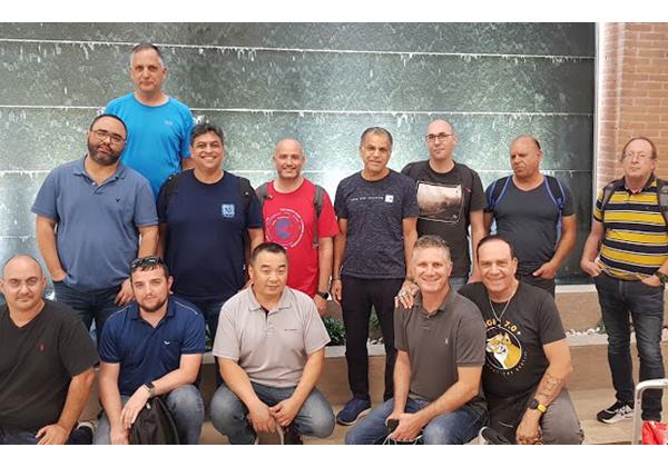 """חברי הקבוצה לאחר הנחיתה בשדה התעופה של ונציה. צילום: יח""""צ"""