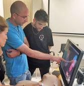 סטודנטים משתמשים בטכנולוגיה של 3D Systems למען חולים באפריקה