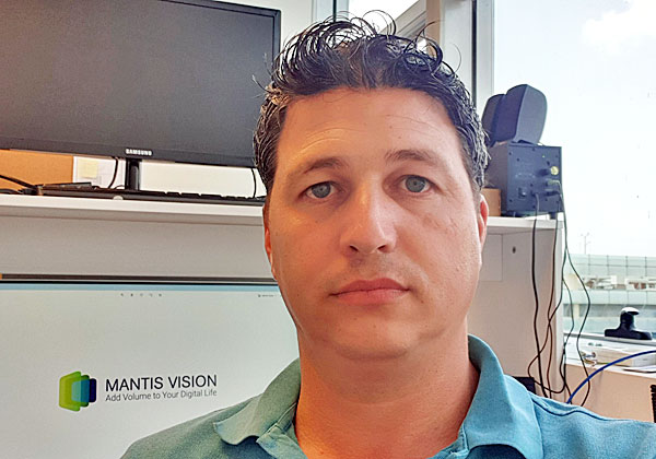 רונן וייסמן, מנהל תשתיות ואבטחת מידע במאנטיס ויז'ן. צילום פרטי