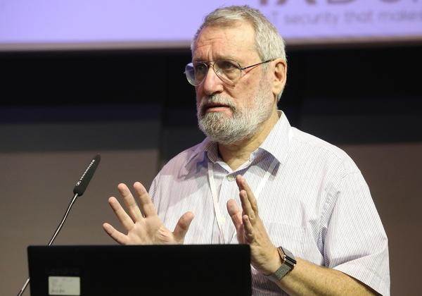 """ליאוניד קופרמן, מנכ""""ל משותף ואחד ממקימי IXDen. צילום: ניב קנטור"""