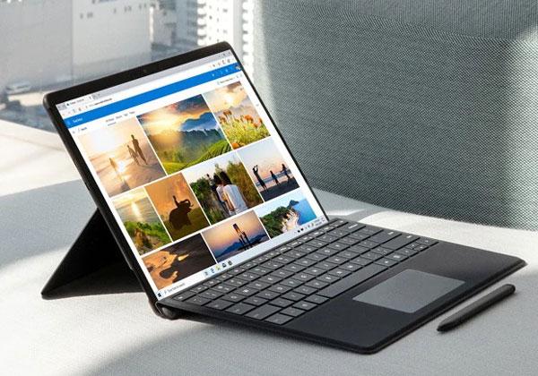 """ה-Surface Pro X של מיקרוסופט. צילום: יח""""צ"""