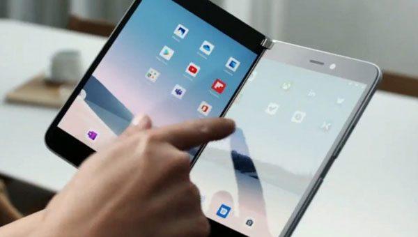 הפתעה: מיקרוסופט חוזרת לשוק הטלפונים החכמים -עם מכשיר דו-מסכי