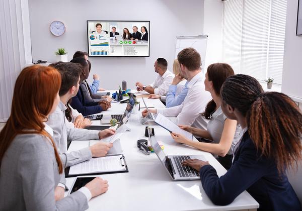 מי השתתף בסתר בשיחות הוועידה שלכם? אילוסטרציה: BigStock