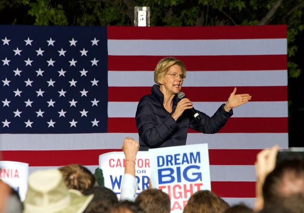 """הסנטורית אליזבת וורן באירוע בחירות דמוקרטי לקראת המירוץ לנשיאות 2020 בארה""""ב. צילום: BigStock"""