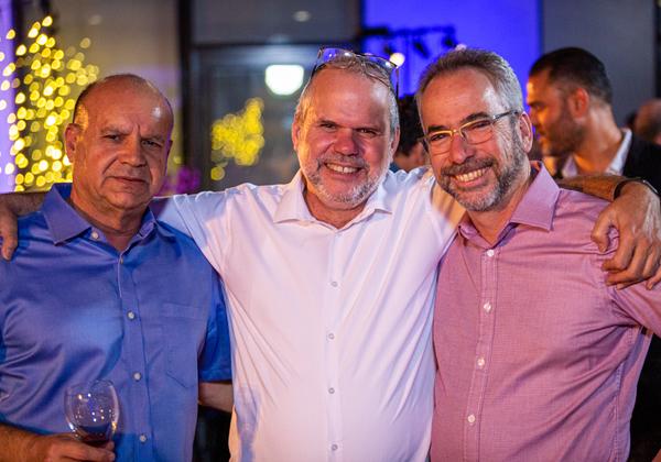 """מימין לשמאל: אבנר זיו, מנהל-חטיבת הטכנולוגיה בבנק ישראל, רונן זרצקי, שלמה שמאי, משנה למנכ""""ל הפניקס. צילום: ניר אלון"""