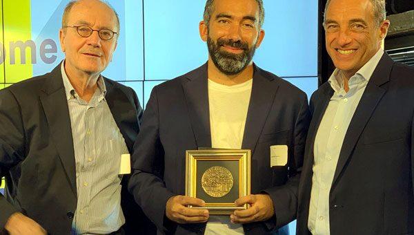 פרס לרומן לוי מאורבן פלייס בכנס היי-טק ישראלי-צרפתי