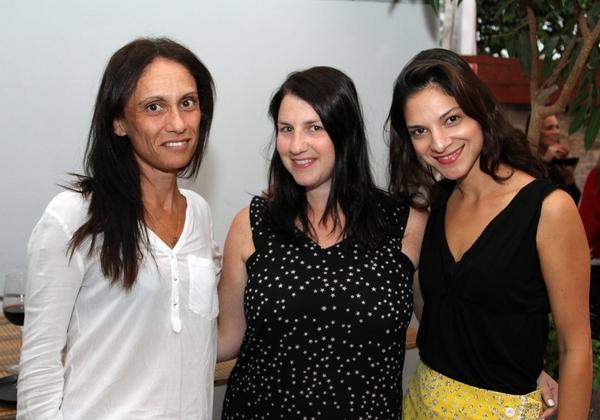 מימין לשמאל: מיטל נועם צימרמן, מנהלת מכירות ONE BI, לימור וייס, מנהלת יחידה עסקית ONE BI, אפרת בעדני-זהבה, חשבת ONE BI. צילום: דדי ברק