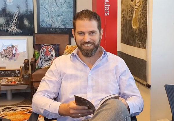 """בא לבקר במאורת הנמר: אלון חיימוביץ', סמנכ""""ל המגזר הציבורי במיקרוסופט ישראל. צילום: פלי הנמר"""
