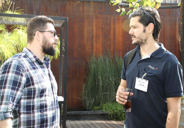 מימין: שי בן דוד, מהנדס מערכת באואזיס; ודימה מלינובסקי, מהנדס מערכות בקרדורקס. צילום: ניב קנטור