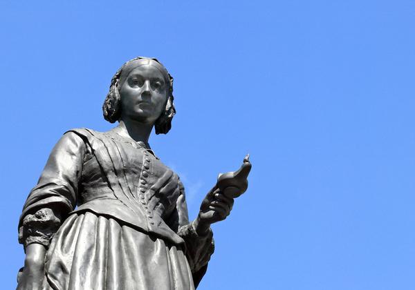 פסל האחות הראשונה בעולם, פלורנס נייטינגייל. צילום: BigStock