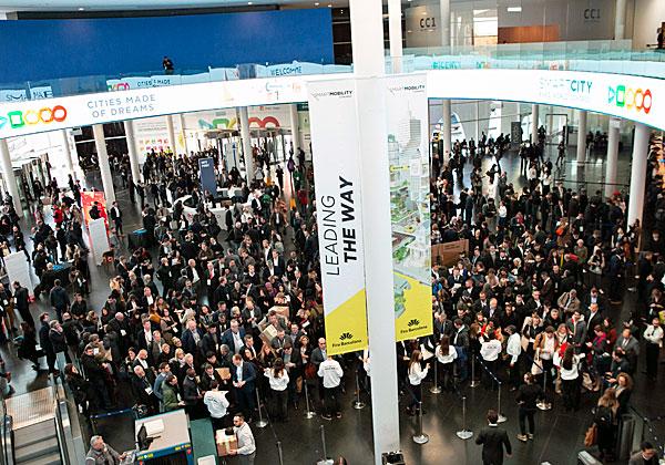 """מבט מלמעלה על התערוכה שנלוותה לכנס הערים החכמות בברצלונה. צילום: יח""""צ"""