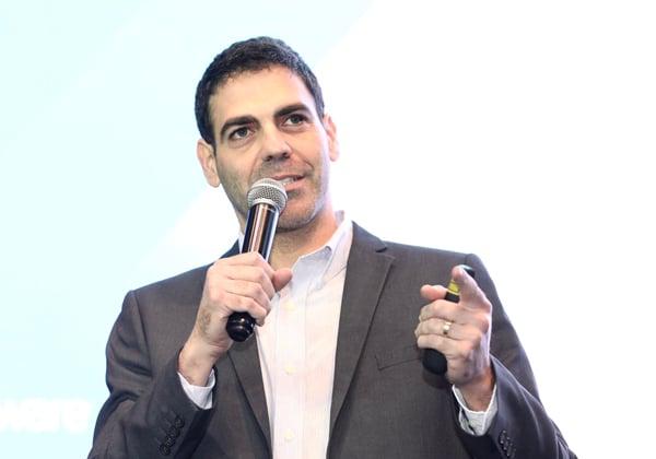 אריק מורנו, מומחה פתרונות VMware מתקדמים (SDDC) בחברת VMware. צילום: ניב קנטור