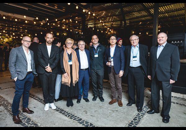 צוות השופטים, מימין לשמאל: מישל סיבוני, יואב מנור, טקאיומי סומי, ניב רז, יאיר המבורגר, קנדל ג'ונס, טל חן, אייל אפרת. צילום: תומר פולטין