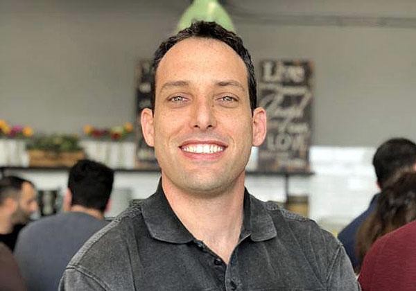 """אריק בן יזרי, מנהל מכירות אזורי בטרנד מיקרו. צילום: יח""""צ"""