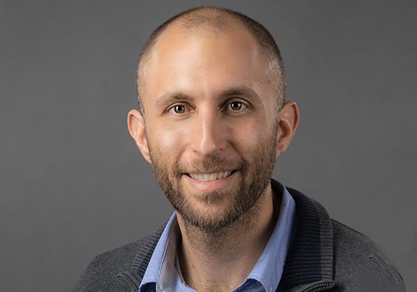 """יונתן חרוסט, מהנדס מערכות בראקאס. צילום: יח""""צ"""