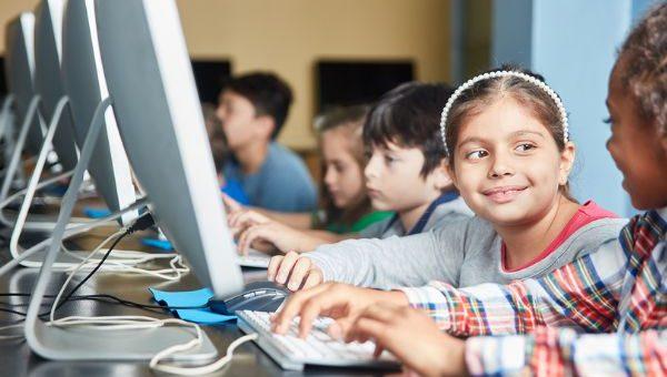 רוב הפלטפורמות הלימודיות מפרות את פרטיות הנוער המשתמש בהן
