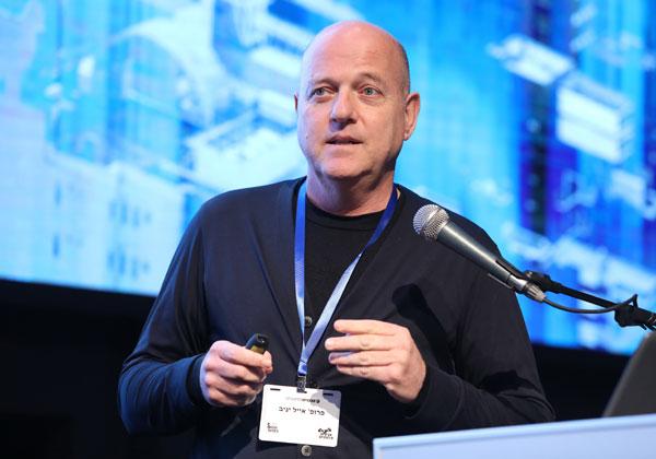 פרופ' אייל יניב, ראש הפקולטה למנהל עסקים וראש המרכז לערים חכמות באוניברסיטת בר אילן. צילום: ניב קנטור