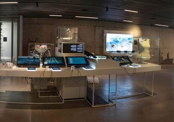 """גלריית החדשנות במרכז פרס לשלום ולחדשנות. צילום: יח""""צ"""
