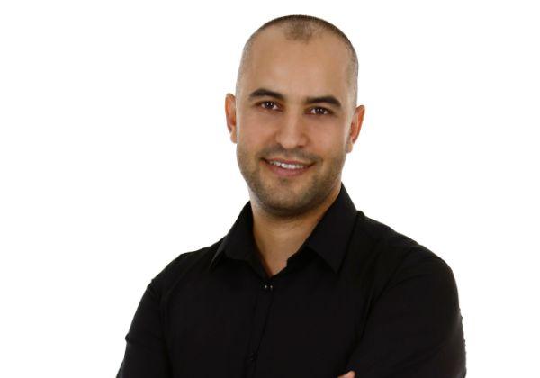 יוסי לוי, בעלים של משרד פרסום דיגיטלי, מנהל מגמת הדיגיטל במכללה הטכנולוגית רופין ומרצה וותיק בתחום הדיגיטל. צילום: יוסי לוי דיגיטל