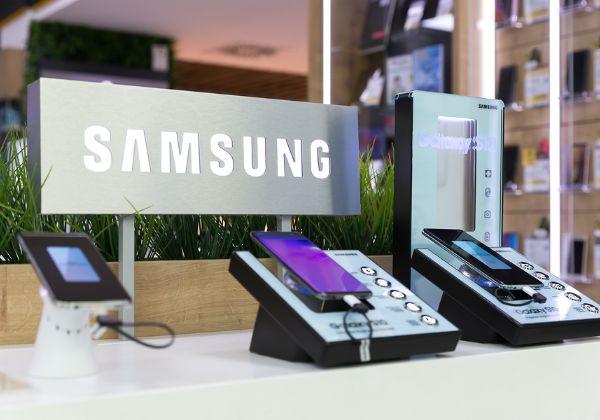 מכשירי ניידים של סמסונג בחנות החברה. צילום אילוסטרציה: BigStock