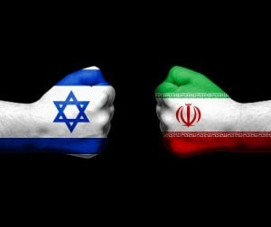 האיראנים על גדרות הסייבר של ישראל. צילום אילוסטרציה: BigStock