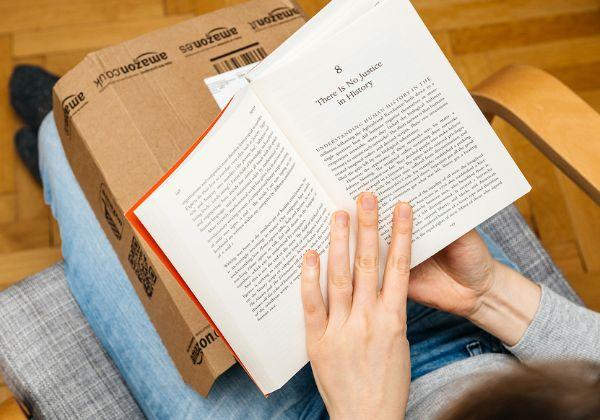 האם כל תוכן לגיטימי? ספרים מאמזון. צילום אילוסטרציה: BigStock