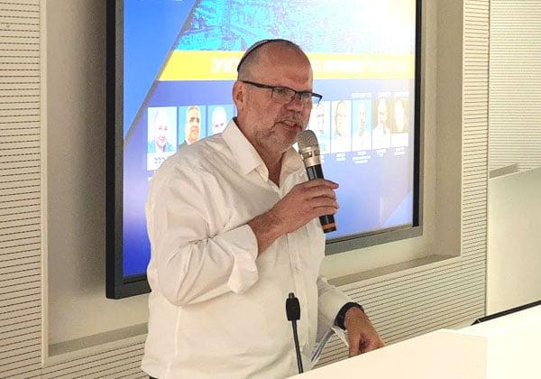 """רונן זרצקי, מנכ""""ל BSD-IT ויועץ לפורום C6 מבית אנשים ומחשבים. צילום: פלי הנמר"""