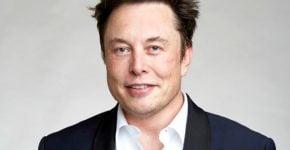 """יפסיד 2.5 מיליארד דולר? אילון מאסק, מייסד ומנכ""""ל טסלה. צילום: מתוך ויקיפדיה"""
