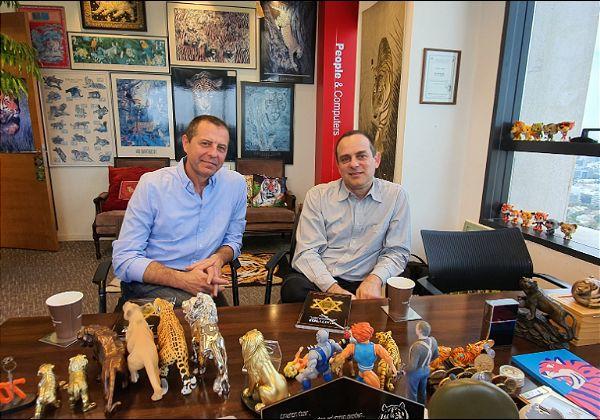 """אבי חמוי, ממייסדי וה-CTO, ורומן מיטשל, סמנכ""""ל מכירות ופיתוח עסקי, סנגיט. צילום: פלי הנמר"""