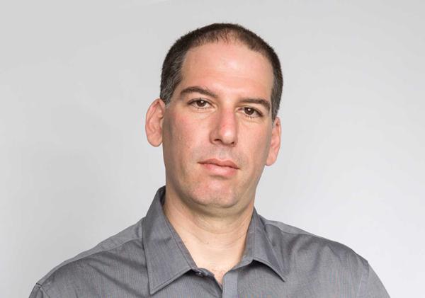 יריב ענבר, מנהל חדשנות עסקית בחטיבת מוצרי תוכנה, מטריקס. צילום: סאם ג'קובסון