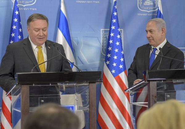 שר החוץ האמריקני, מייק פומפאו, עם ראש הממשלה, בנימין נתניהו. צילום ארכיון: משרד החוץ האמריקני
