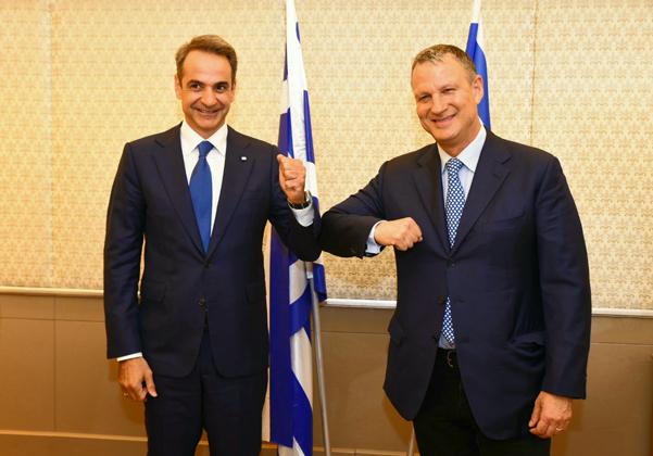 """מימין: היזם ויו""""ר קרן JVP, אראל מרגלית, וראש ממשלת יוון, קיריאקוס מיצוטקיס. צילום: דנה לוי"""