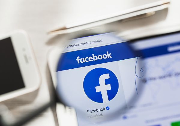 """דו""""חות כספיים חיוביים לפייסבוק. צילום: BigStock"""