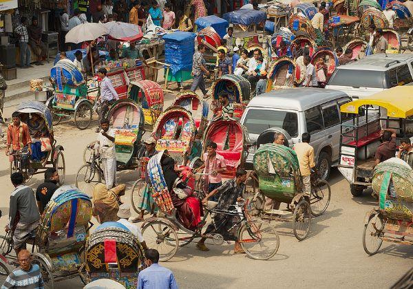 פאת'או - יוזמה של חלוץ. שירותי ניסעות משותפות בבירת בנגלדש, דאקה. צילום אילוסטרציה: BigStock