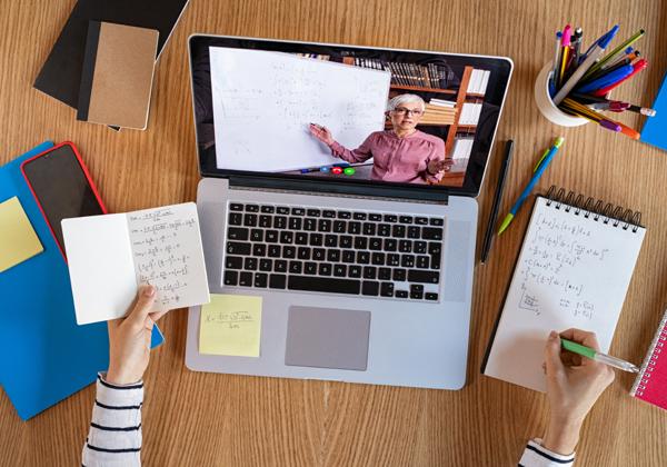 """למידה מרחוק לכולם? משרד החינוך """"מקיים דיונים בנושא"""". צילום אילוסטרציה: BigStock"""