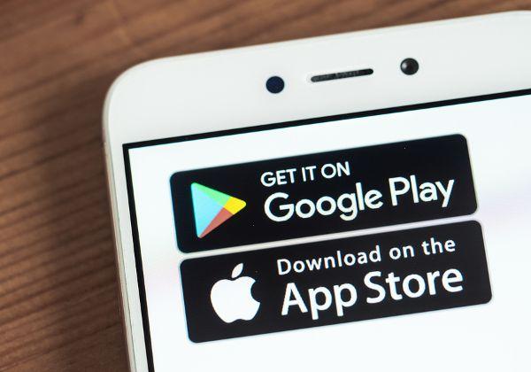 האם הן חונקות תחרות? אפל וגוגל עם ה-Google Play וה-App Store שלהן. צילום: BigStock