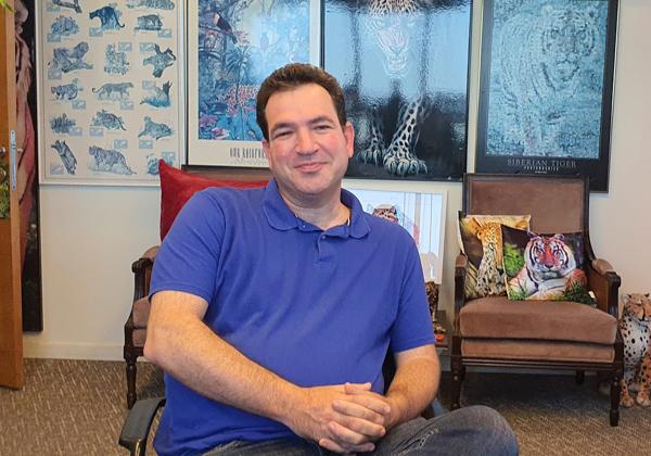בא לבקר במאורת הנמר: גיא קרוננטל, מנהל הפיתוח ב-SAP-גיגיה בישראל. צילום: פלי הנמר