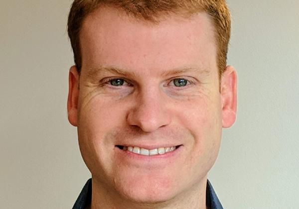 ניר יחיאל, מנהל קבוצת פיתוח במרכז הפיתוח של רד-האט ברעננה. צילום: מוריה יחיאל